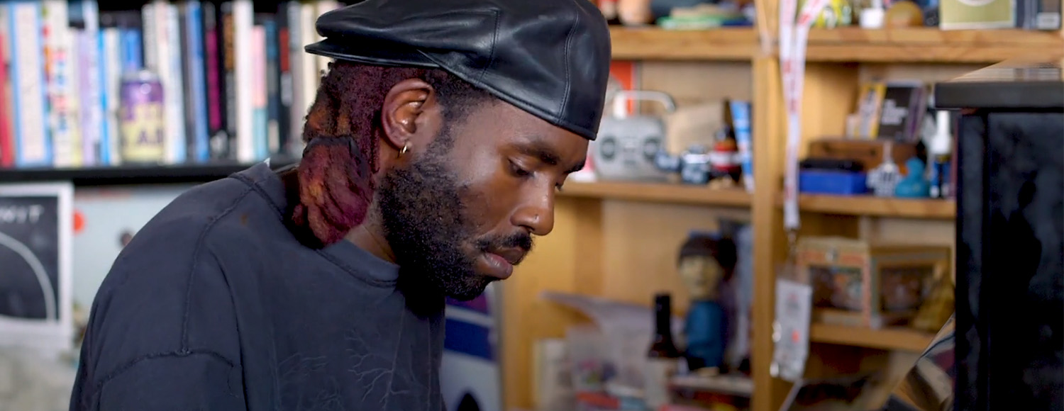 Date esta sesión Tiny Desk de Blood Orange