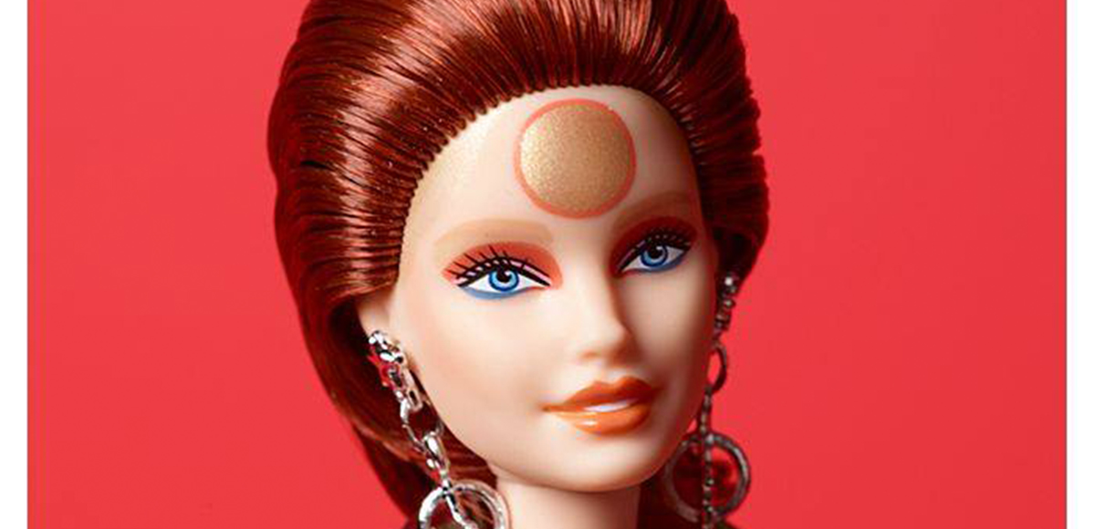 Mattel lanza una increíble muñeca Barbie vestida como Ziggy Stardust
