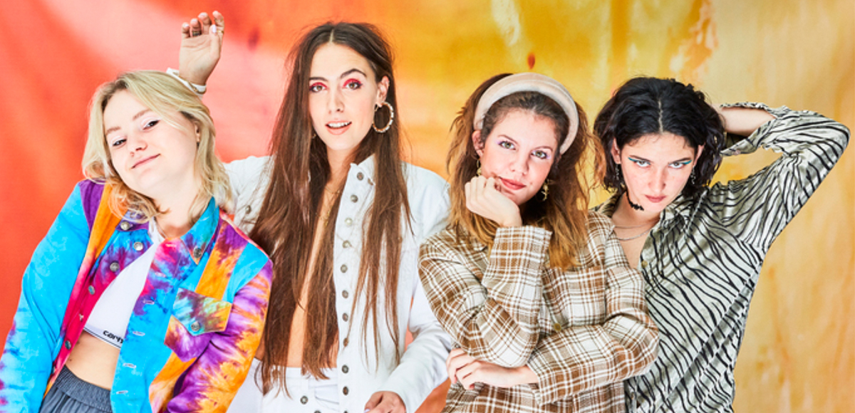 Hinds presenta Riding Solo, su nuevo video