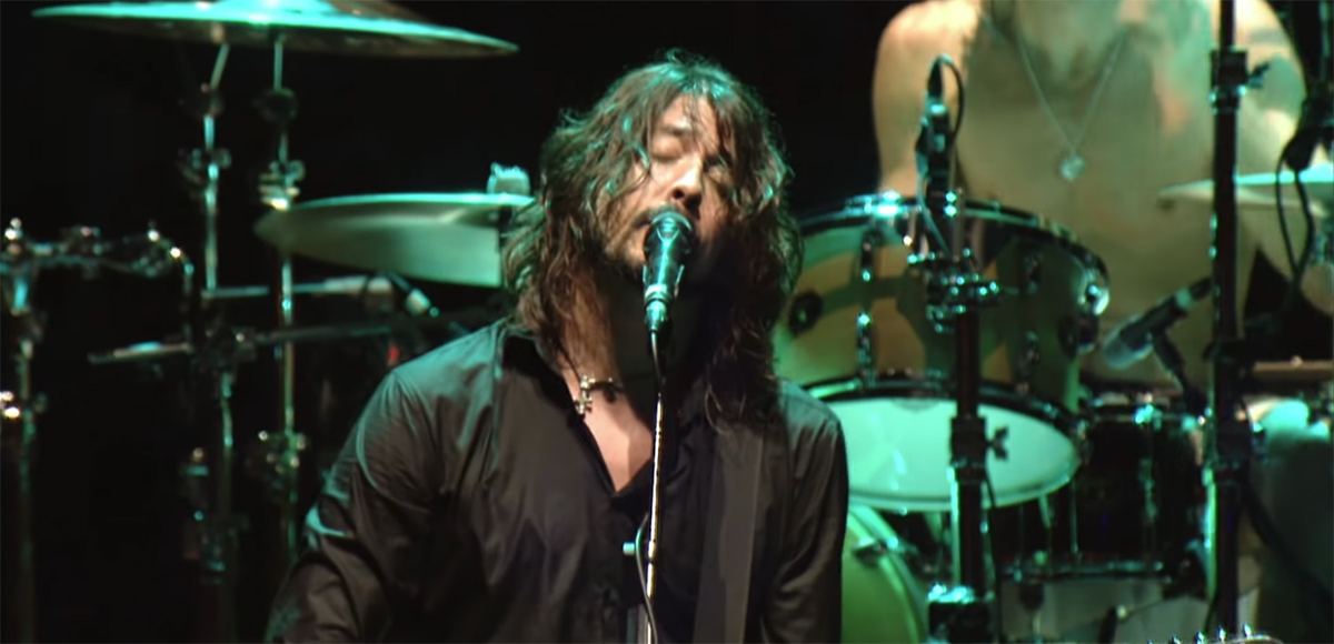Dave Grohl dice que un nuevo álbum de Foo Fighters está listo.