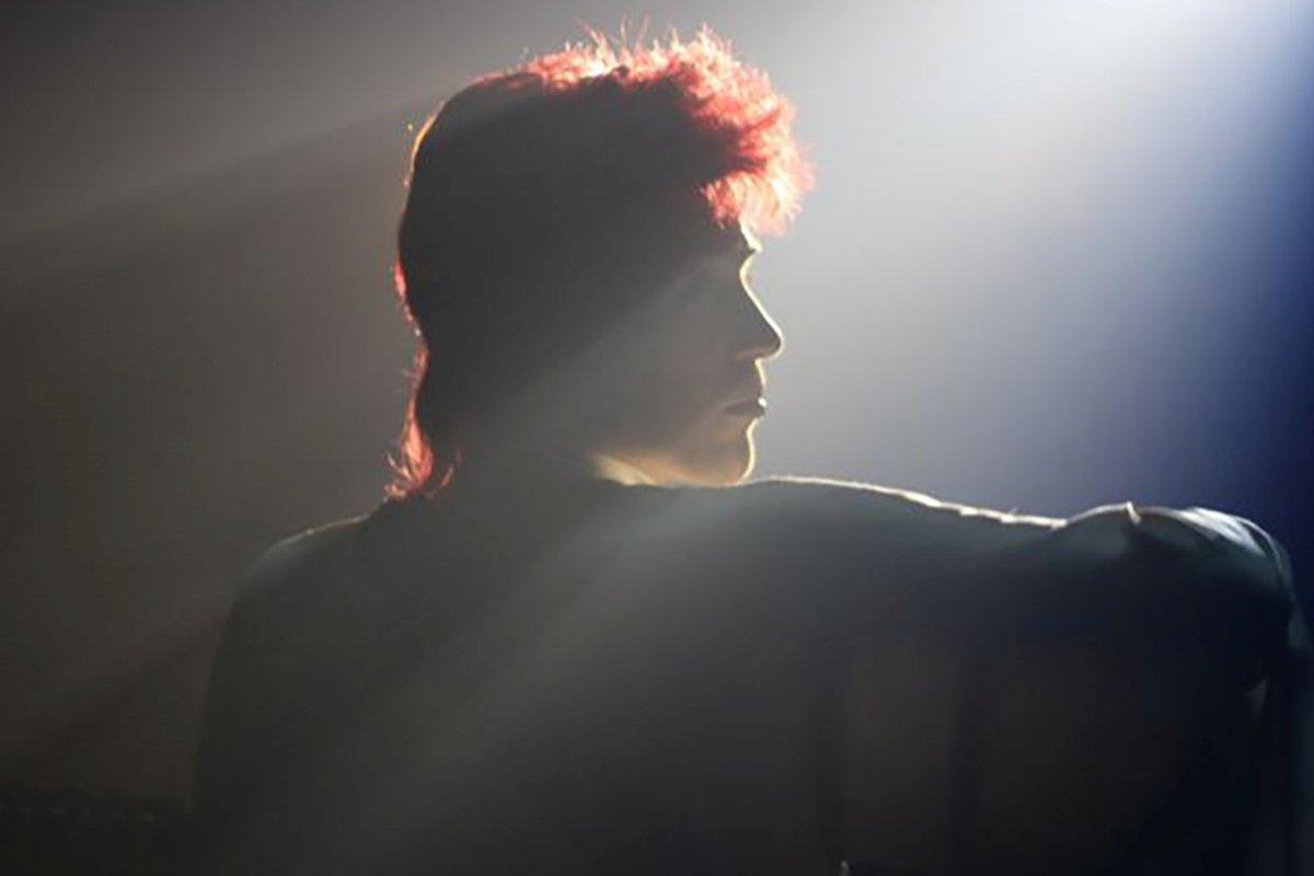 david-Bowie-jonnhy-flynn-fans-ofendidos-biopic (1)