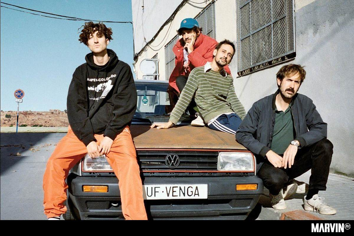 alavedra-cancion-torrido-romance-video-disco-uf-venga (1)